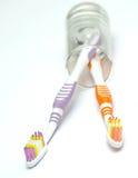 färgglada tandborstar Arkivfoto
