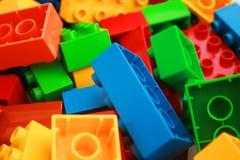 Färgglada tegelstenar arkivfoton
