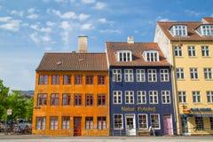 Färgglade byggnader i Köpenhamn royaltyfri foto