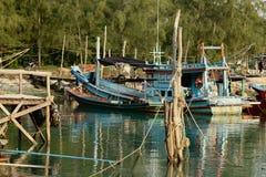 Färgglade fartyg i Koh Phangan, Thailand Fotografering för Bildbyråer