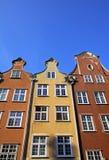 Färgglade gamla byggnader i stad av Gdansk, Polen Royaltyfria Bilder