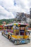 Färgglade Jeepney i Puerto Princessa Royaltyfria Bilder
