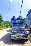 Färgglade Jeepney i Puerto Princessa royaltyfri bild