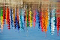 Färgglade kajaker Arkivfoton