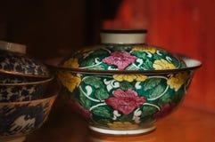 Färgglade Kina för blommamodell ware, kinesiskt porslin fotografering för bildbyråer