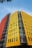 Färgglade kontorsbyggnader i London Arkivfoton