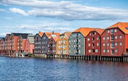 Färgglade lager i trondheim, Norge royaltyfria foton