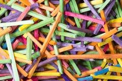 Färgglade Matchsticks stänger sig upp Royaltyfria Bilder