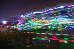 Färgglade strömmar av ljus på glöd kör Port Elizabeth Royaltyfria Foton