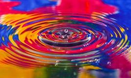 Färgglat av vattendroppslut upp för bakgrunden, textur, mo Arkivbild