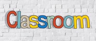 Färgglat ord för klassrum på begrepp för tegelstenvägg Arkivfoto