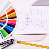 Färgpaletten och teckningen av kök planlägger Royaltyfri Foto