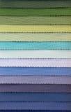 Färgprovkarta av tyg Arkivbilder