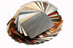 Färgprovkartor pläterade träflismaterialet Royaltyfri Fotografi