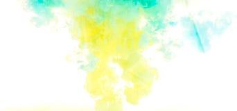 färgpulver Gulna, slösa, och gräsplanakryl färgar Färgpulver som virvlar runt i vatten illustrationen för fractals för explosione Arkivfoton