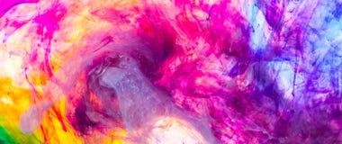 Färgpulver i vatten Royaltyfria Bilder