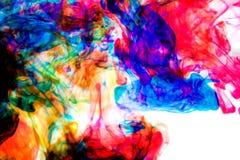 Färgpulver i vatten, färgabstraktion Royaltyfri Fotografi