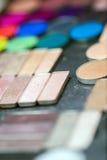 färgrik ögonskugga gör upp paletter Arkivfoton