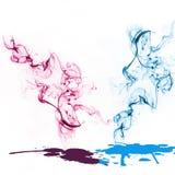 Färgrik abstrakt sammansättning med rök och flytande Utrymme för text Royaltyfria Foton