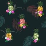 F?rgrik ananas med den tropiska s?ml?sa modellen f?r blommor och f?r sidor p? m?rk bakgrund f?r sommarnatt stock illustrationer