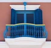 färgrik balkong Arkivfoto