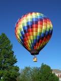Färgrik ballong för varm luft Arkivfoton