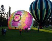Färgrik ballonginflation fotografering för bildbyråer