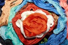 Färgrik blomma från den handgjorda tråden Royaltyfri Bild