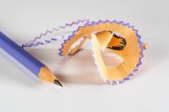 Färgrik blyertspenna med shavings Royaltyfri Fotografi