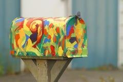 färgrik brevlåda Arkivbilder