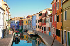 Färgrik Burano ö, Venedig Arkivfoton