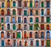 Färgrik collage som göras av dörrar från Rome arkivfoton