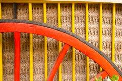 Färgrik detalj för traditionell hästvagn Arkivfoton