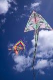 Färgrik drake i skyen Arkivbilder