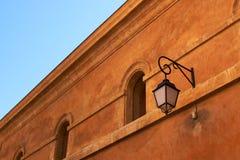 färgrik en-facade provence för aix Arkivbilder