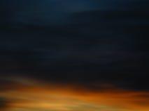 Färgrik för molnig himmel dynamisk abstrakt och livlig bakgrund Arkivfoto
