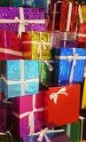 Färgrik gåvaask Arkivbild