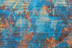 Färgrik gammal wood textur med spår av slitning brunt violetfärger Royaltyfria Foton