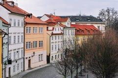 Färgrik gata i Prague Arkivbild