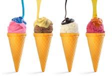 Färgrik glass som bevattnas med olika såser arkivbild