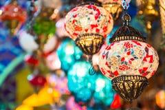 Färgrik hängande lampa Arkivbild