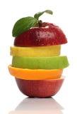 Färgrik hög av nya frukter royaltyfri bild
