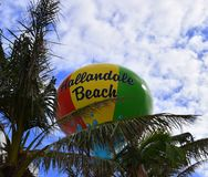 Färgrik Hallandale strand, Florida vattentorn Royaltyfri Fotografi