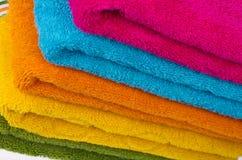 Färgrik handduk Arkivfoton