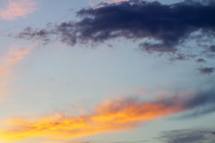 Färgrik himmel för solnedgång 1 bakgrund clouds den molniga skyen Royaltyfri Bild