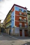 Färgrik husfasad i Pamplona, Spanien fotografering för bildbyråer
