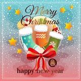 Färgrik jul med sockor och godisen royaltyfri illustrationer