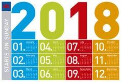Färgrik kalender för året 2018 som är på engelska Arkivfoto