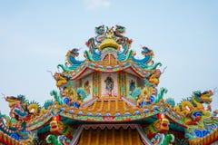 Färgrik konkret kines Dragon Statue Royaltyfria Foton