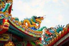 Färgrik konkret kines Dragon Statue Fotografering för Bildbyråer